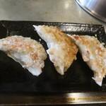 広島お好み焼 くるみ - 鉄板焼きジャンボぎょうざ