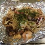 広島お好み焼 くるみ - シーフードときのこのガーリックオイル