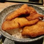 新潟 食楽園 - 揚げたてのサクサクが4枚。
