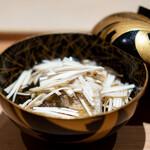 肉屋 雪月花 NAGOYA - 海老芋、 金沢ののどぐろ、 長野県産の松茸