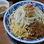 ラーメン ぶぅさん - 料理写真:辛味噌ラーメン・味付き脂(900円)