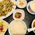 北京料理 方庄 - 豚肉とピーマンの細切り炒め定食