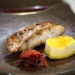 鮨 そえ島 - 料理写真:喉黒、醤油干し、かつお梅添え・・脂がのっていて、美味しいこと。