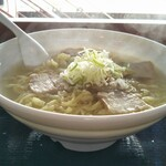 よつくら喜一 - 料理写真:塩ラーメン 大盛 720円