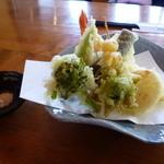 玉のゆ - 天ぷら盛合せ・・・ふきのとうが春☆