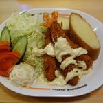 コメダ珈琲店 - 料理写真:エビフライのプレートランチ
