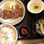 圭助 - 牛タン焼き定食1人前 ☆