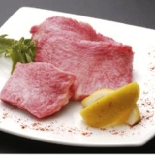 肉屋直営のお店だからこそ、鮮度と価格には自信があります。