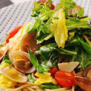 高知のとれたてお野菜をふんだんに使った料理が満載