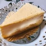 天使のおやつ - 料理写真:スフレチーズケーキ 400円