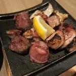 鶏っく - もも、ずり、肉つきやげん軟骨