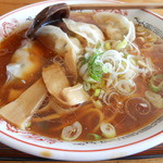 一休食堂 - 料理写真:えびタコ餃子ラーメン