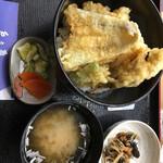 レストラン 戸々魯 -