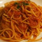 ペッシェ - トマトソースのパスタ