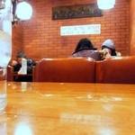 トキ - 懐かしさが漂う昭和の店内