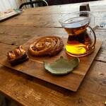 122839111 - ゆゆの助のパンと紅茶