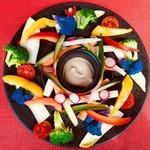 8種野菜のバーニャカウダ 酒盗と豆乳のバーニャソース