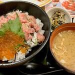ココス - いくら&まぐろたたき丼1199円