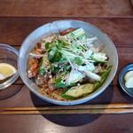 カフェ アノニマ - さっぱり風味の焼き鳥どんぶり(\800、2012年3月)