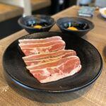 122869166 - 牛炙りすき焼きカルビ