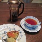 122875090 - 紅茶とともに