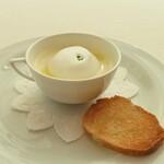 オザワ - カリフラワーの温かいスープ
