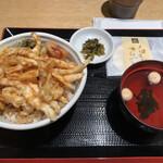 122910360 - 白えび天丼1290円は吸い物に海藻の佃煮に白えびせんべい付き。