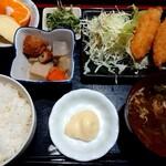 つかさ - 料理写真:ランチの、カキ、白身フライ定食(700円)
