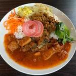 サハスラーラ - サバのタマリンドカレー+キーマ、本日の薬膳惣菜三種