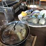 新島水産 - 前菜の鍋と貝