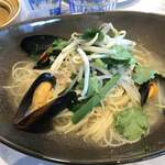 Source11 - レモングラス香るムール貝と豚肉スープスパゲティ