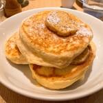 bills - ③リコッタパンケーキ フレッシュバナナ ハニーコームバター1600円