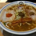 中華そば ひらこ屋 きぼし - 料理写真:辛い煮干しソバ 中 830円