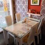 Cafe Bar Denja - テーブル席