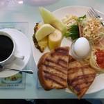 Cafe Bar Denja - モーニング全体