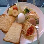 Cafe Bar Denja - アーモンドトースト