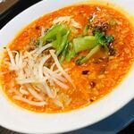 四川担担麺 蒼雲 - 各具材が上品に調和、優雅ささえ感じる味噌麻辣麺 ˚✧₊⁎❝᷀ົཽ≀ˍ̮❝᷀ົཽ⁎⁺˳✧༚