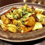 CHOMPOO - 炒め物:ガイパッメッマムアン(鶏肉のカシューナッツ炒め)