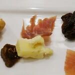 欧風煮込料理研究所 エル ルージュ - 鴨のコース 4種類のチーズ