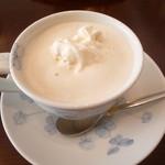 琥珀 - ウインナーコーヒー(600円)