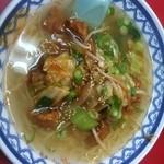 Manri - 豚肉汁そば 良く味の絡んだ豚天が乗っかってます。これがサッパリ味のスープに少しずつ溶け出していきます。