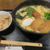 うどん居酒屋 麦笑 - 料理写真:紀州梅ときつねのあんかけとじうどん+かやく御飯
