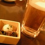 刺身居酒屋 海鮮丸 - 「お通し」と「サッポロ生ビール」