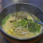 げんこつや 焼肉食堂 - 料理写真:げんこつラーメン 塩味