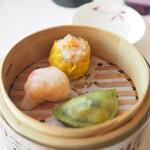 センス - 3種の点心 野菜の蒸し餃子・海老の蒸し餃子・豚肉の焼売