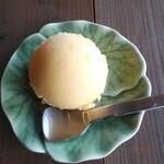 123010758 - マンゴーアイスクリーム
