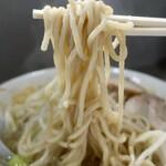 ラーメン - 塩ラーメン・ヤサイニンニク(700円)