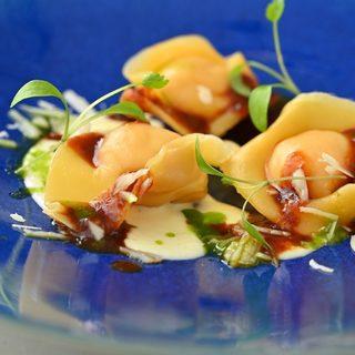 素材にもこだわった独創的なイタリア料理◇