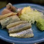 大江戸 - 鰯と鯵を刺身で