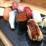 つきぢ神楽寿司 - 駅前の立ち食い寿司屋とは思えないクオリティ。ホスピタリティ最高!